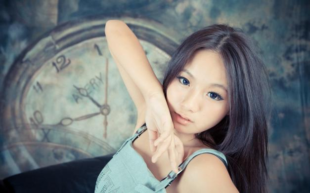 asian-girl-look-blue-eyes-1080P-wallpaper
